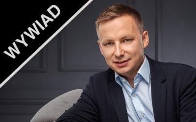 """Wywiad z Danielem Tokarzem, autorem książki """"Biblia rentiera""""."""
